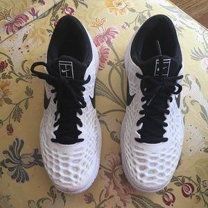 Sz9 Men's Nike White/Black Zoom Cage 3 Shoes